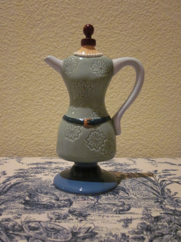 Dress form teapot with pearls