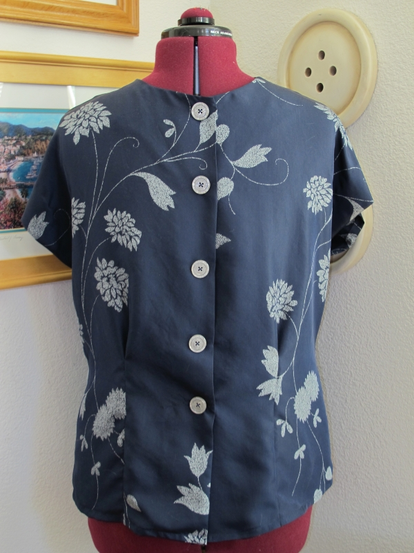 Sencha in navy silk, back view