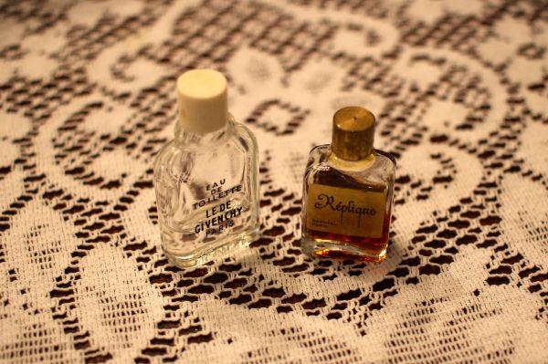 Adorable little perfume bottles.